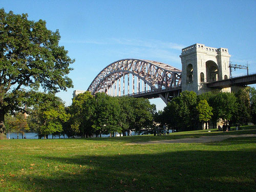 astoria park hellgate bridge