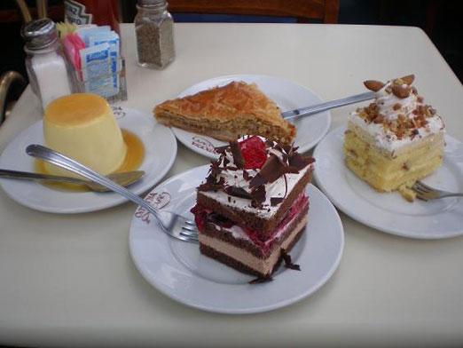 Omonia Cafe Dessert
