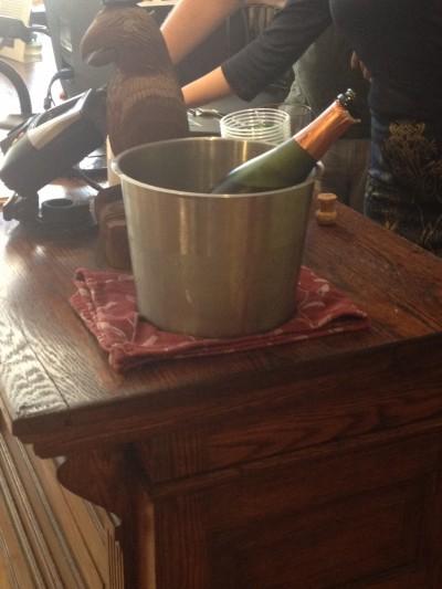 sparkling-wine-astoria-park-wine-spirits-queens