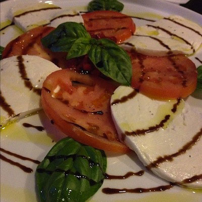 caprese-salad-basil-brick-oven-pizza-astoria-queens