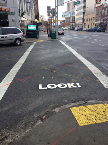 LOOK-lic-intersection-queens