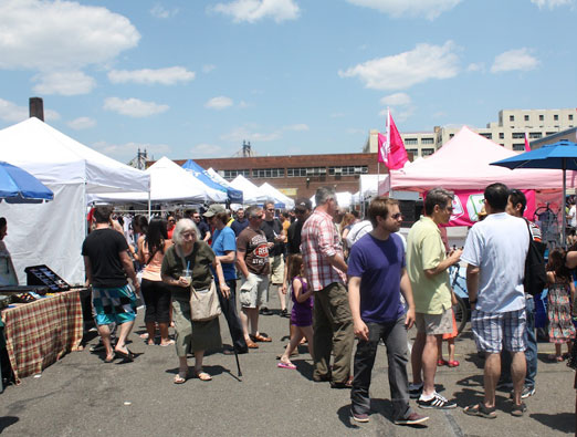 lic-flea-people-at-the-flea-long-island-city-queens