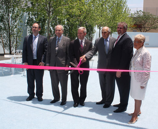 ready-to-cut-ribbon-kaufman-courtyard-ribbon-cutting-ceremony-momi-astoria-queens