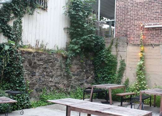 the-backyard-astoria-whiskey-society-hell-gate-social-astoria-queens