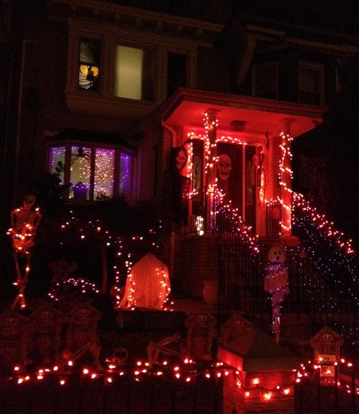 ditmars-house-halloween-astoria-queens