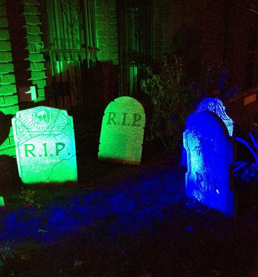 rip-tombstone-halloween-astoria-queens