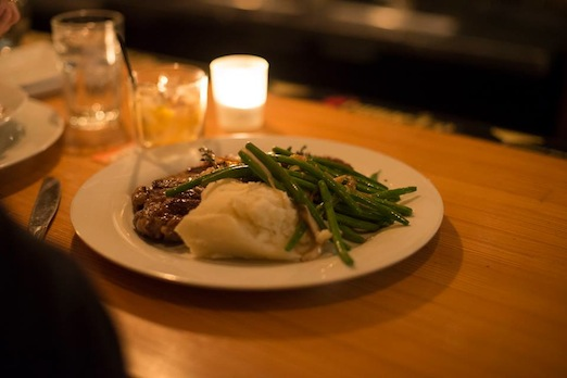 steak-bowery-bay-restaurant-astoria-queens
