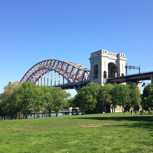 astoria-park-hell-gate-bridge-spring-2014-queens