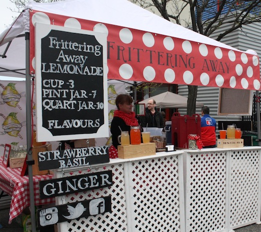 frittering-away-drinks-astoria-flea-queens