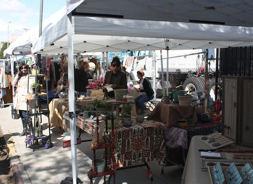jewelry-plants-clothes-astoria-flea-queens