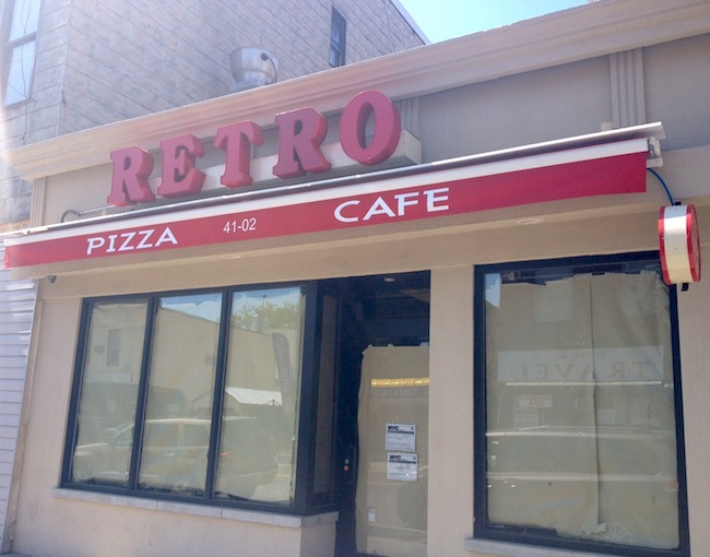 retro-pizza-cafe-front-astoria-queens
