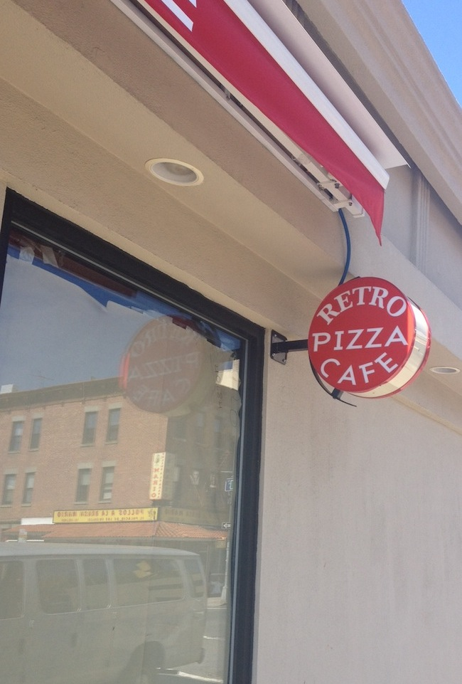 side-retro-pizza-cafe-front-astoria-queens