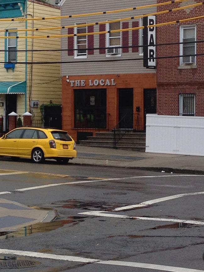 the-local-pub-bar-31st-avenue-astoria-queens