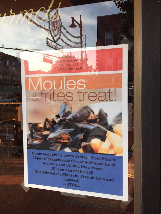 moules-frites-special-francis-cafe-astoria-queens