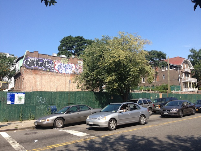 31-09-28th-avenue-lot-astoria-queens