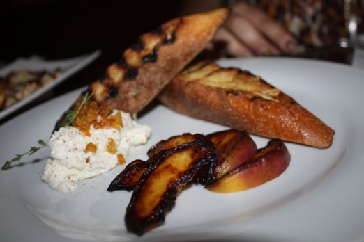 grilled-peaches-goat-cheese