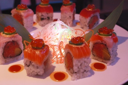 flaming-dragon-roll-pink-nori-astoria-queens