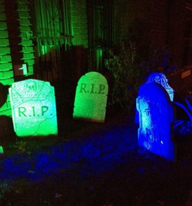 rip-tombstone-halloween-astoria-queens
