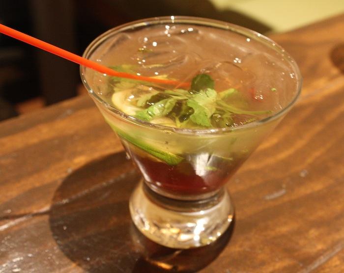 the-dingo-cocktail-the-thirsty-koala-astoria-queens