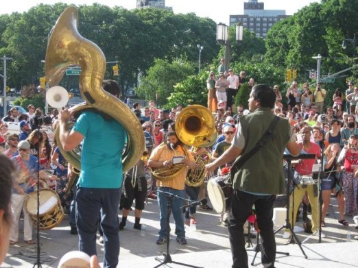 Musicians take to the streets for Make Music New York