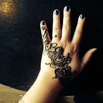 Want to learn how to henna tattoo at home? Q.E.D. has a class for that!