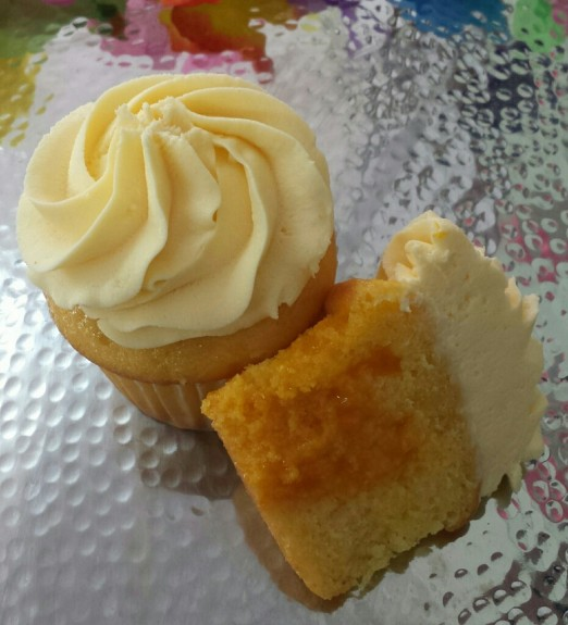 Mango Mango Cupcake