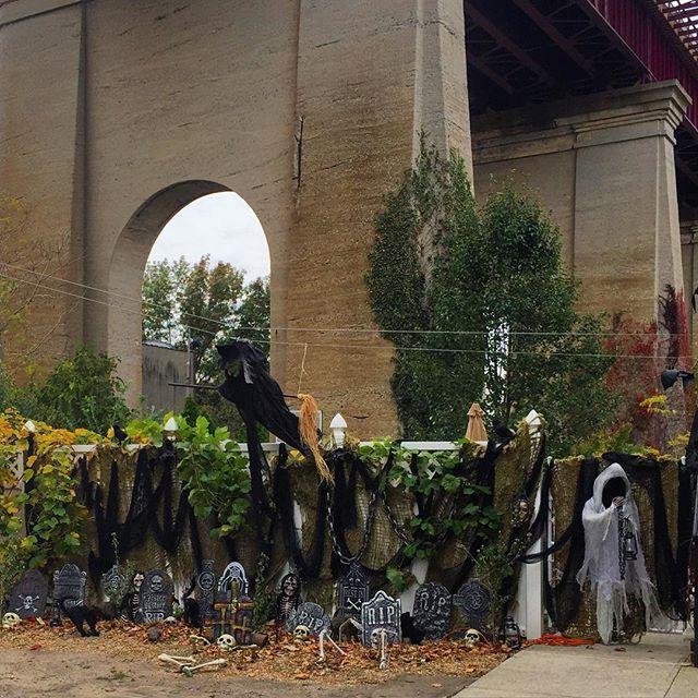 lots-of-tombstones-halloween-ditmars-astoria-queens