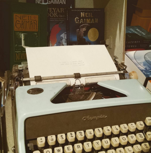 typewriter-astoria-bookshop-small-business-owners-series-we-heart-astoria-support-local
