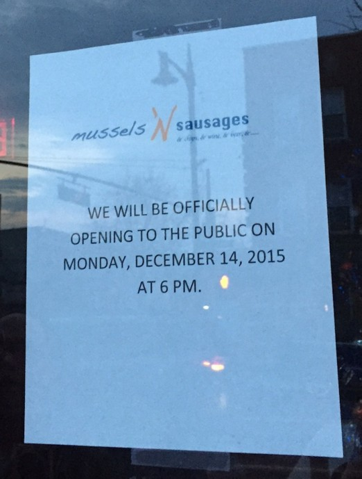 open-sign-announcement-mussels-n-sausages-ditmars-astoria-queens