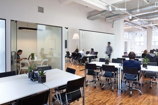 open-desk-qns-collective-coworking-astoria-queens