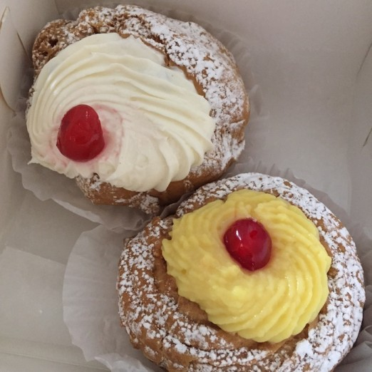 zeppole-sfinge-box-parisi-bakery-astoria-queens-pastries