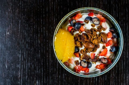 greek-yogurt-granola-fruit-the-breakfast-shack-food-truck-astoria-queens
