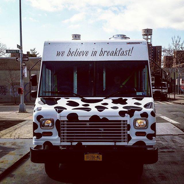 truck-front-the-breakfast-shack-food-truck-astoria-queens