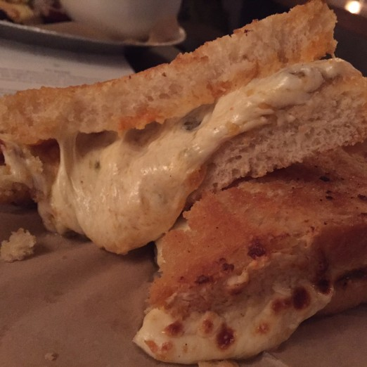 buffalo-blue-mozzarella-grilled-cheese-the-queens-kickshaw-new-menu-tasting-we-heart-astoria-queens-eats-broadway-vegetarian