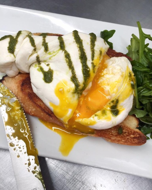 burrata-egg-the-queens-kickshaw-astoria-queens