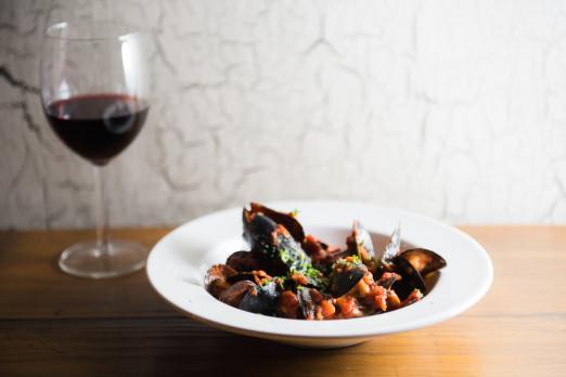 mussels-the-barn-tasting-we-heart-astoria-queens-restaurants-bars