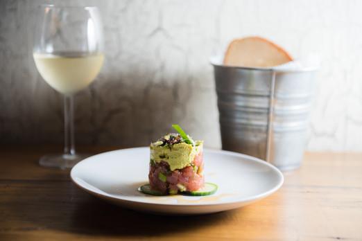 tuna-tartare-the-barn-tasting-we-heart-astoria-queens-restaurants-bars