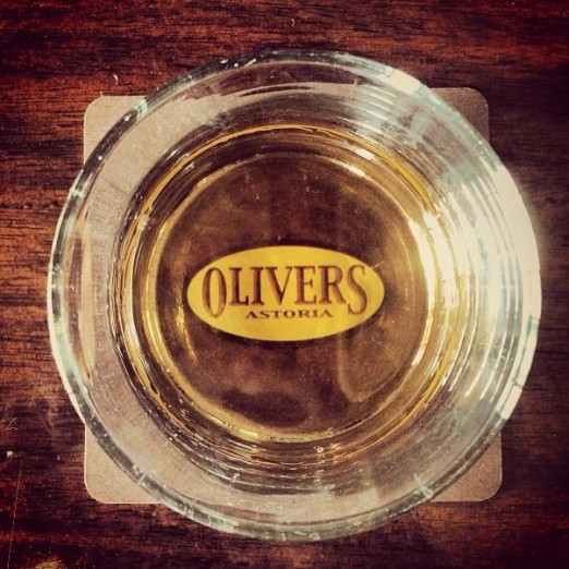 oliver's-sports-bar-we-heart-astoria-queens