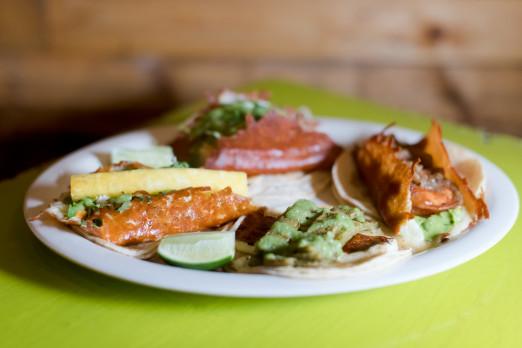 tacos2-chela-garnacha-we-heart-astoria-queens-mexican-tacos-36th-ave