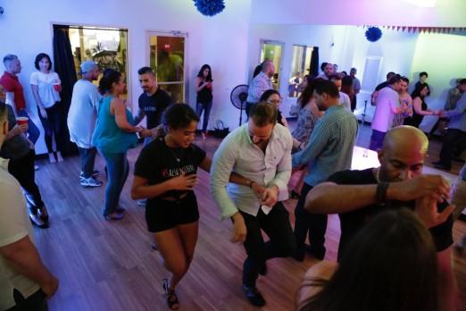action-shot-salsa-in-queens-we-heart-astoria